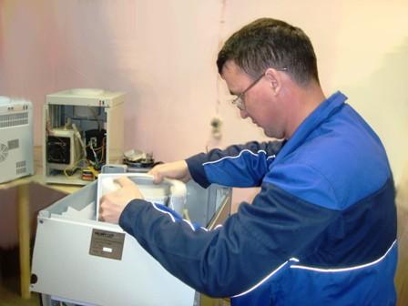 ...обслуживание аппаратов для нагрева и охлаждения питьевой воды (кулеров) в сертифицированном сервисном центре.